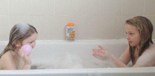 Bathtime fun squad with nemo - Bathroom items that start with g ...